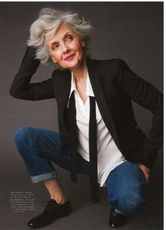 ideas style vestimentaire femme 50 ans by Queer Fashion, Mature Fashion, Older Women Fashion, Tomboy Fashion, Fashion Over 50, Tomboy Style, Fashion Menswear, Stylish Older Women, Womens Fashion