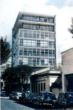 Sede paulista do Instituto de Arquitetos do Brasil, na esquina das ruas Bento Freitas e General Jardim, em 1951