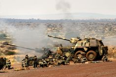 Denel G6 - Southafrican spg in action