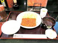 シアワセを感じるソースのうまさ! 横浜で創業80年のとんかつの老舗の「四角い」ヒレカツ - dressing(ドレッシング) Grains, Dressing, Rice, Food, Essen, Meals, Seeds, Yemek, Laughter