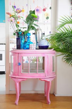 Turn those awkward shaped tables (round and hexagon) into a table near the door. Just lose the bulky and unattractive paneling by exchanging those door pieces with glass backing. Pink Furniture, Hand Painted Furniture, Upcycled Furniture, Cool Furniture, Deco Boheme, My New Room, Furniture Makeover, House Colors, Interior Inspiration