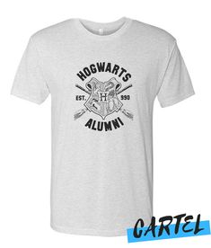 Hogwarts Alumni awesome T Shirt Hogwarts Alumni, Direct To Garment Printer, Grey And White, Cool T Shirts, Shirt Style, Harry Potter, Awesome, Mens Tops, Stuff To Buy