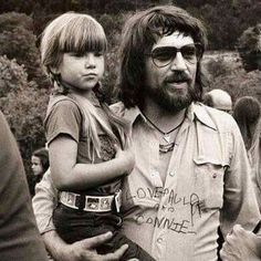 Waylon Jennings with Willie Nelson's daughter Paula Nelson