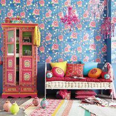 7 cotton cushions + mattress, multicoloured