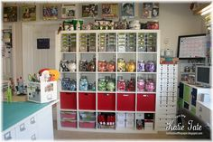 Great ideas for craft room, well organized.. wow she put a lot in this room!!!!! I like it!!!