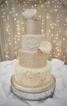 Gatsby inspired, champagne and ivory wedding cake. By Cake Couture NI