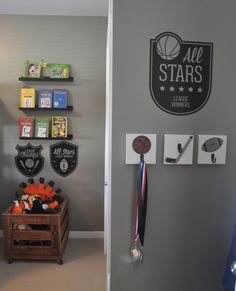 Planning a sport-themed big boy room, we love these wall hooks and decals from @homeworksetc for the sports lover!