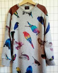 Neat New York 🐦 #urbanstylebyevamaria #sweaterdress #birds #moreontheblog #linkinprofile