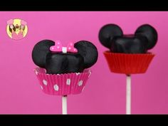 I'm back with another super easy and tasty tutorial on how to make Mickey Mouse Marshmallow Pops! Mickey Party, Mickey Mouse Birthday, Minnie Mouse Party, Mouse Parties, 2nd Birthday, Disney Inspired Food, Sunflower Party, Party Pops, Marshmallow Pops