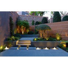 Small garden with an illuminated water feature, yay or nay? #exterior #exteriordesign #desaineksterior #eksterior #taman #desaintaman #tamanmini #smallgarden #garden #gardendesign