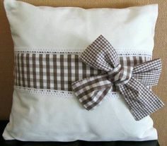 Pillow bow idea