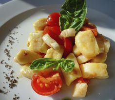 Gnocchi di farina integrale biologica con capesante e pomodorini cherry #primipiatti #foodlugano #lugano #foodlovers #foodstyling #cucinaitaliana