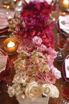 pink and fuchsia ombre centerpiece | Ombre Valentine's Wedding http://theproposalwedding.blogspot.it/ #valentinesday #sanvalentino #matrimonio #wedding #pink