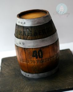 How to Make a Wooden Barrel Cake - McGreevy Cakes 40th Birthday Cakes For Men, Themed Birthday Cakes, Baby 1st Birthday, Themed Cakes, Whiskey Barrel Cake, Tree Stump Cake, Alcohol Cake, Fondant, Cake Decorating Tutorials