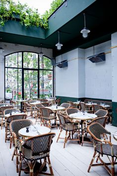 Barbès, the rooftop of inside track Parisiennes