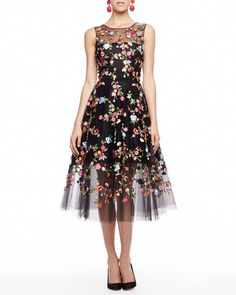 FLORAL - as always, Oscar de la Renta dreams up a dancing dress.