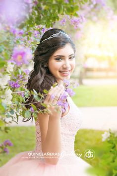 Fair-minded attracted quinceanera party planning Learn to Quinceanera Dresses, Quinceanera Hairstyles, Quinceanera Party, Quinceanera Photography, Party Photography, Photography Poses, Quince Pictures, Quinceanera Collection, Sweet 15 Dresses