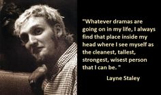 10 Rare Photos of Layne Staley Scott Weiland, Chester Bennington, Kurt Cobain, Layne Staley Quotes, Arte Grunge, Mike Starr, Mad Season, Alice In Chains, Music Memes