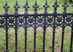 Prepare a Wrought Iron Fence for Painting/redo the table with black or white