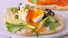 Huevos poché en plan brunch - Receta - Canal Cocina