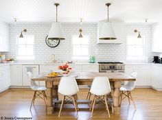 Eat in kitchen with large pendants over farm table Kitchen Interior, Kitchen Inspirations, Kitchen Space, Kitchen Flooring, Kitchen Remodel, Kitchen Decor, Kitchen Dining Room, Kitchen Dining, Home Kitchens