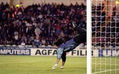 [VIDEO] Higuita e la parata scorpione: 20 anni fa la più grande parata nella storia del calcio #parata #higuita #portiere #calcio #video