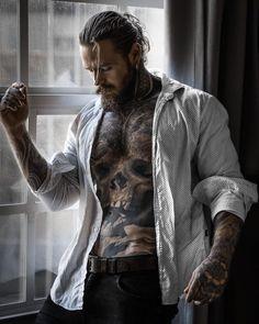 Beautiful Women Quotes, Beautiful Tattoos For Women, Just Beautiful Men, Handsome Men Quotes, Handsome Arab Men, Strong Woman Tattoos, Hot Guys Tattoos, Japanese Men, Attractive Men