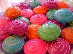 swirly cupcakes.
