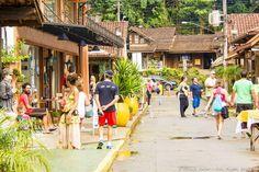 Charmosa e movimentada vila na divisa do Rio de Janeiro e Minas Gerais, na linda Serra da Mantiqueira. Veja dicas >>> http://www.guiaviagensbrasil.com/blog/tres-dias-em-visconde-de-maua/