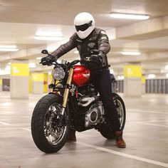CAFE RACER TRIUMPH 4h10: Photo
