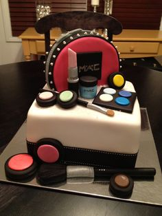 the MAC cake. Teen Cakes, Girly Cakes, Make Up Cake, Love Cake, Mac Cake, Fashionista Cake, Extreme Cakes, Tooth Cake, Sweet 16 Cakes