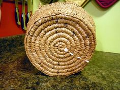 """Crochet Bags Design Reuse Inspiration: An Upcycled Basket (Made from Plastic Bags!) - Genevieve at Sewphisticate shows you how to make a basket constructed from crocheted plastic bag yarn, or """"plarn. Reuse Plastic Bags, Plastic Bag Crafts, Plastic Bag Crochet, Fused Plastic, Plastic Grocery Bags, Plastic Recycling, Recycling Ideas, Plastic Art, Plastic Sheets"""