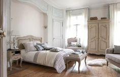 35 Amazingly Pretty Shabby Chic Bedroom Design and Decor Ideas - The Trending House Home Interior, Interior Decorating, Country Interior, Victorian Bedroom, Modern Master Bedroom, Master Suite, Vanity Set With Mirror, Types Of Furniture, Layout