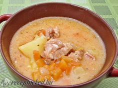 Kondorosi betyár raguleves Hungarian Recipes, Turkish Recipes, Soup Recipes, Cooking Recipes, Goulash, Soups And Stews, Cheeseburger Chowder, Clean Eating, Food And Drink