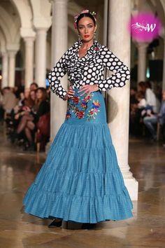es - VIVA by We Love Flamenco 2018 - Antonio Serrano y Juana Chaves Flamenco Costume, Flamenco Skirt, Flamenco Dancers, Dance Costumes, Havana Party, Boho Wedding Dress, Wedding Dresses, Spanish Dancer, Spanish Fashion