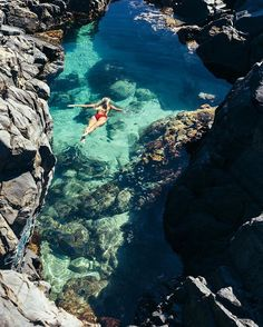 WEBSTA @ melissafindley - Diving into fairy pools with this beautiful girl @gypsea_lust ✨✨www.blog.melissa-findley.com