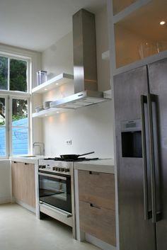 Whitewash keuken Koak Design Ikea kasten met eiken houten fronten en ingefreesde handgrepen02
