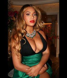 Bodycon Dress, Formal Dresses, Beyonce Instagram, Instagram Snap, Instagram Accounts, Queen B, Mezzo Soprano, Vocal Range, Halter Gown