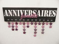 calendrier d'anniversaire Mémo perpétuel en bois découpé avec étoiles                                                                                                                                                                                 Plus