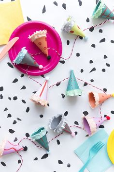 party hat garland tu