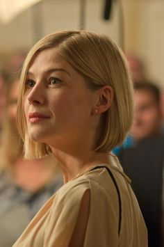 Rosamond Pike's fabulous bob...perfectly shaped to fit her lovely face.