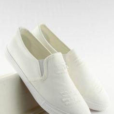 Prešívané dámske tramky bielej farby2 Vans Classic Slip On, Designer Shoes, Slippers, Sport, Sneakers, Fashion, Tennis, Moda, Deporte