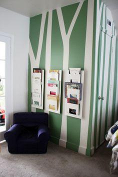 Coole Ideen für die Organisation von Kinderbüchereien - Bäumchen an der Wand