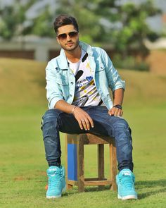 Gaana next week vch kde v ? Jassi Gill, Cut Out People, Men Photoshoot, Girl Couple, Bollywood Celebrities, Beautiful Children, Star Fashion, Mens Suits, My Idol