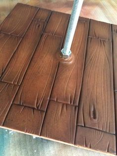 Wood effect airbrushed cake board