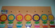 Αυτό είναι το ημερολόγιο που είχα ετοιμάσει στην τάξη πέρυσι και θα κρατήσω και την φετινή χρονιά. Οι ημέρες είναι γλαστράκια με λ... Colegio Ideas, Preschool Classroom Decor, Mary Christmas, Classroom Organisation, School Decorations, Handmade Crafts, Crafts For Kids, Kindergarten, Education