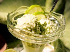 Lime-avokado-kookosjäätelö (maidoton, munaton, sokeriton, viljaton, gluteeniton, vhh, paleo, vegaaninen)