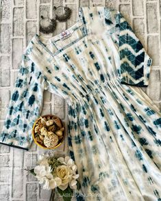 Shibori Tie Dye, Designer Party Wear Dresses, Tie Dye Dress, Ladies Dress Design, Indian Outfits, Lounge Wear, Cotton Fabric, Kaftans, Kurtis