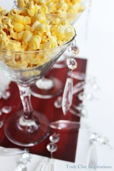 Graduation party idea | red carpet popcorn | popcorn served in martini glasses for an #OscarParty