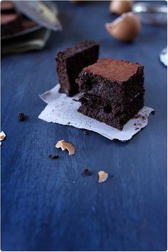 Gâteau moelleux très chocolat à la courgette sans gluten; une recette de chefnini